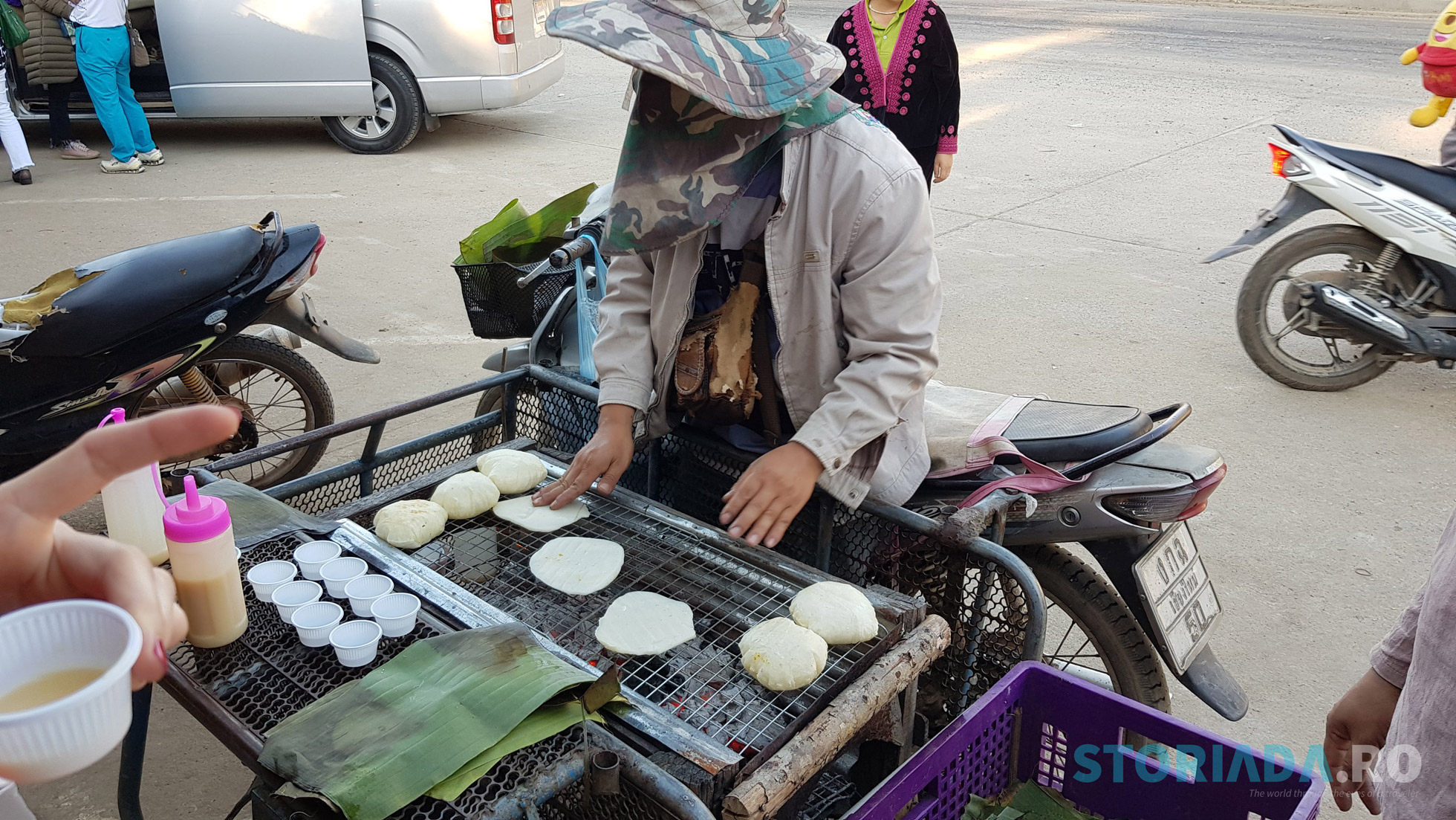 Piata Hmog si turtitele de orez