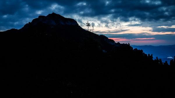 Umbră și apus de soare, Vârful Toaca, Romania